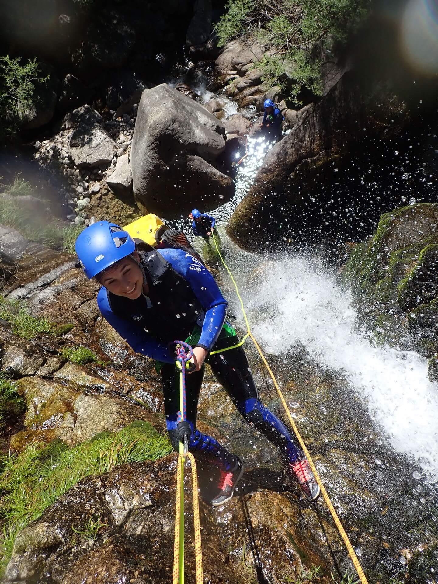 rappel dans le canyon des cascades d'Orgon