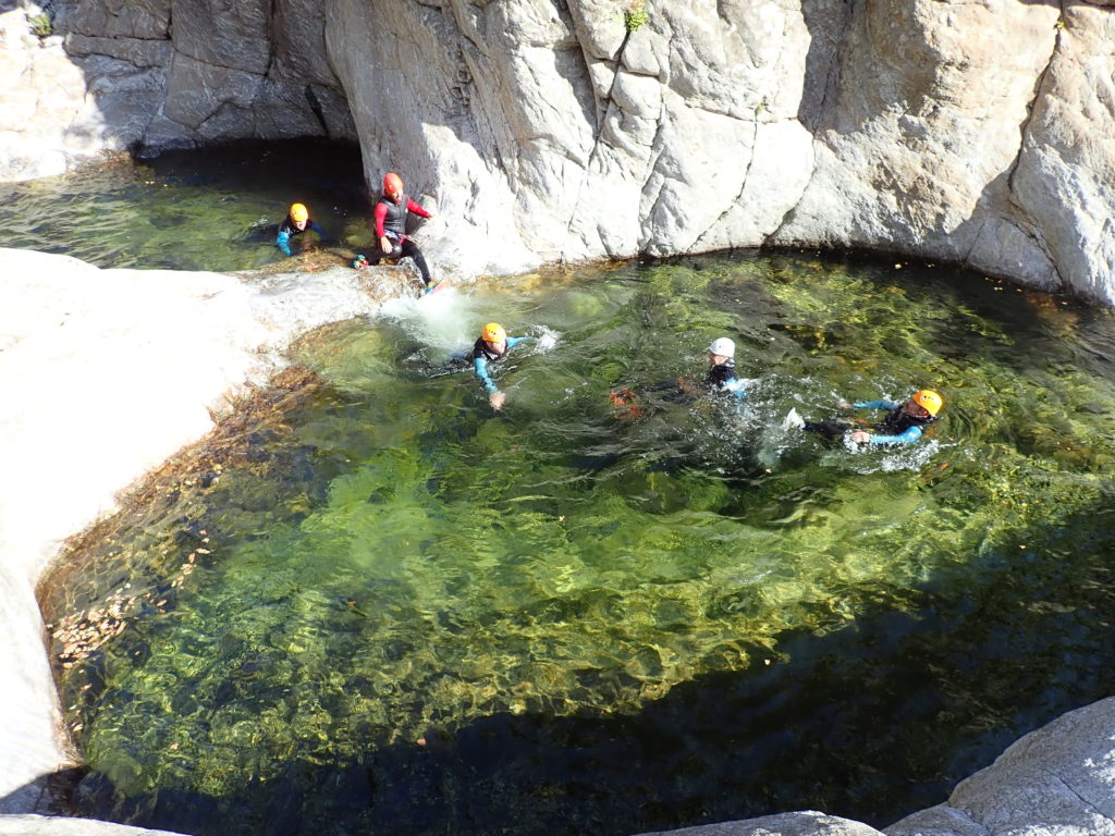 Comment faire du canyoning ? stage en immersion