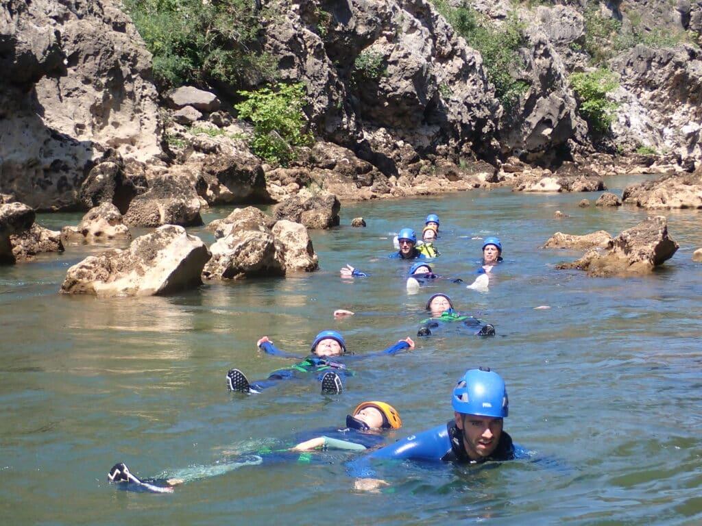 Canyoning Montpellier, le canyon du diable et ses nombreux passages en floating !